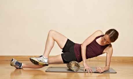 foam roller vasto lateral fascia lata anterior ejercicio