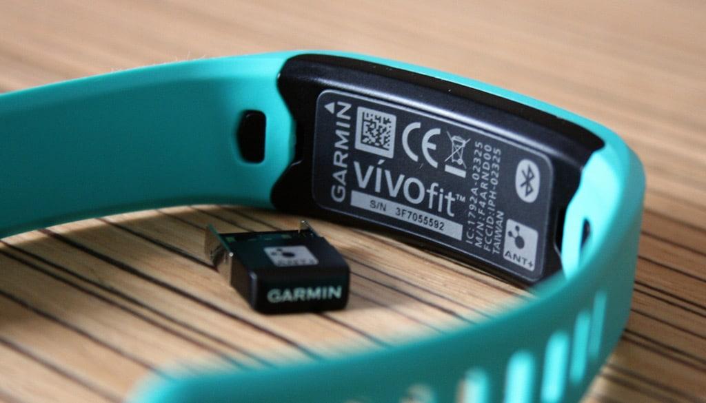 Garmin--Vivofit_03