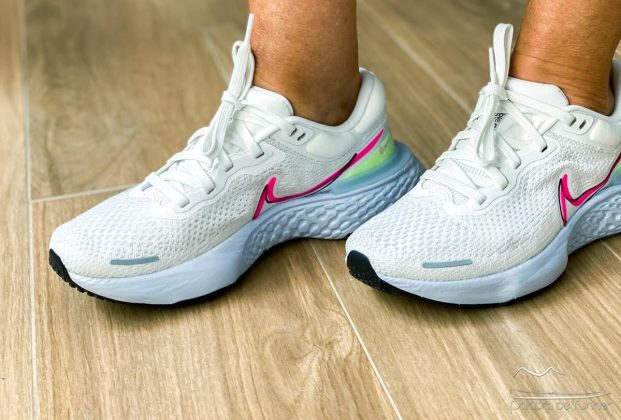 Nike Invincible mujer